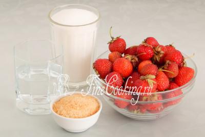 Для приготовления клубничного варенья в виде желе на зиму нам понадобятся следующие ингредиенты: клубника, сахарный песок, питьевая вода и желатин