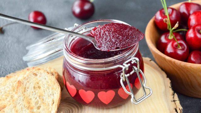 Как сделать джем и конфитюр из вишни без косточек на зиму?